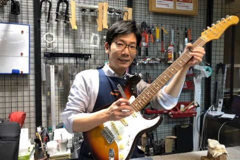 スタッフ写真ギター・ベース修理山本