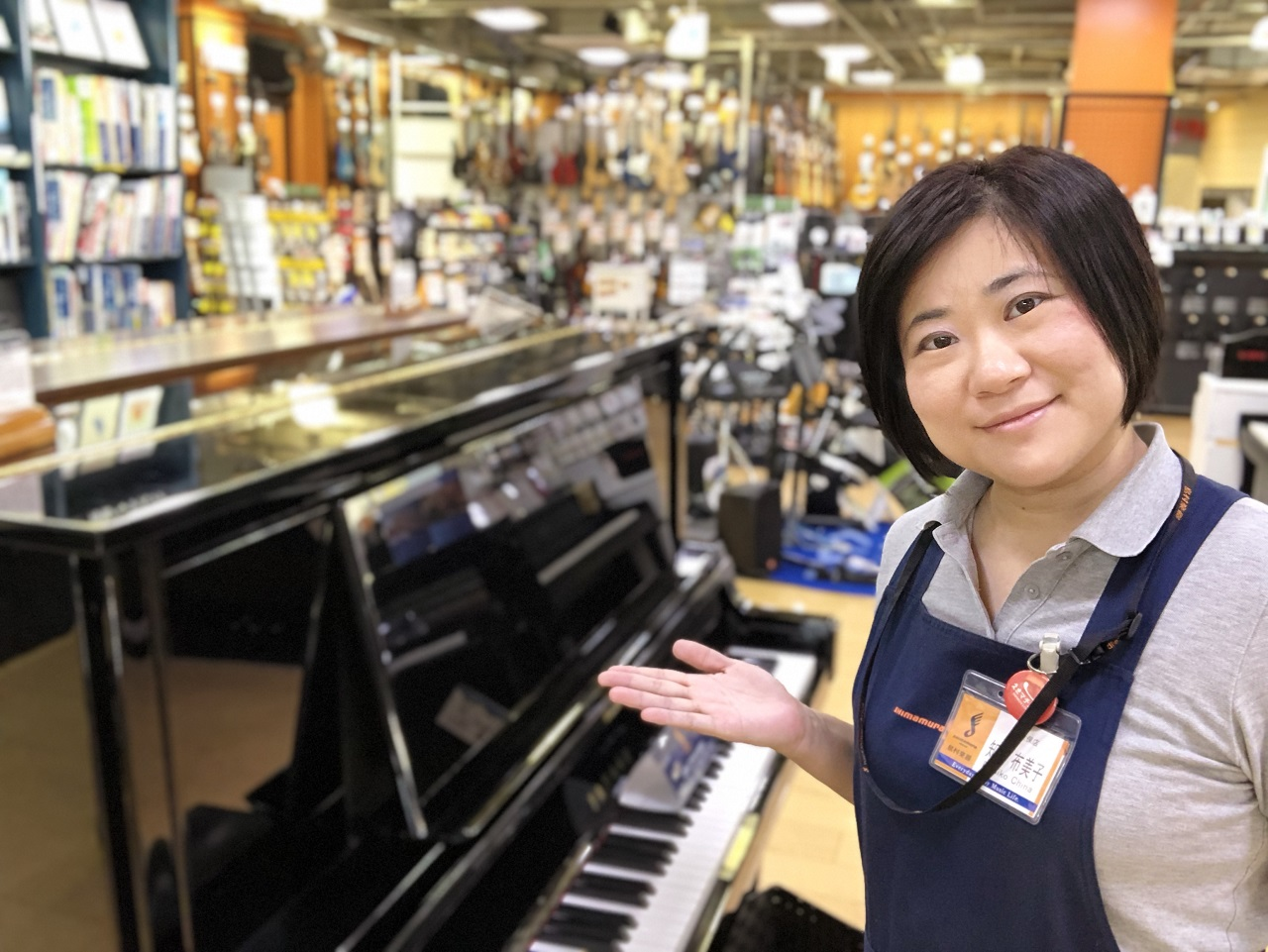 ピアノ担当:知名