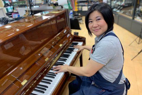 スタッフ写真ピアノ・楽譜・ファンシー・教育楽器・STC知名