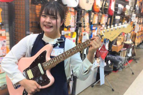 スタッフ写真エレキギター、アコースティックギター、ウクレレ、エフェクター大澤