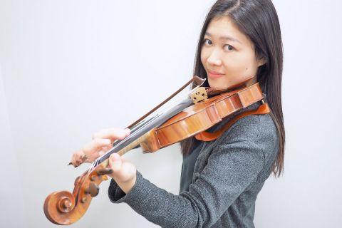スタッフ写真バイオリンインストラクター海老澤