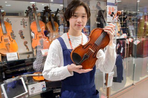 スタッフ写真ヴァイオリン松田
