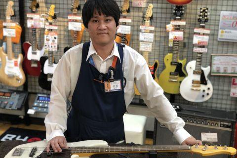 スタッフ写真(ギターアドバイザー) ベース / エフェクター 担当吉見