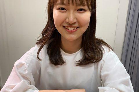 スタッフ写真ピアノインストラクター岩田