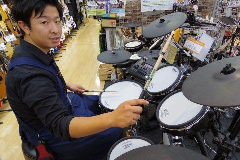 スタッフ写真ドラム・デジタル機材・ドラムアドバイザー吉村