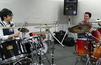 ドラム教室レッスン風景