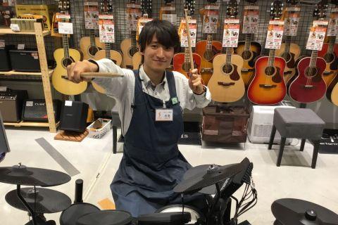 スタッフ写真ギター、ベース、音響機器、音楽教室米島 裕紀