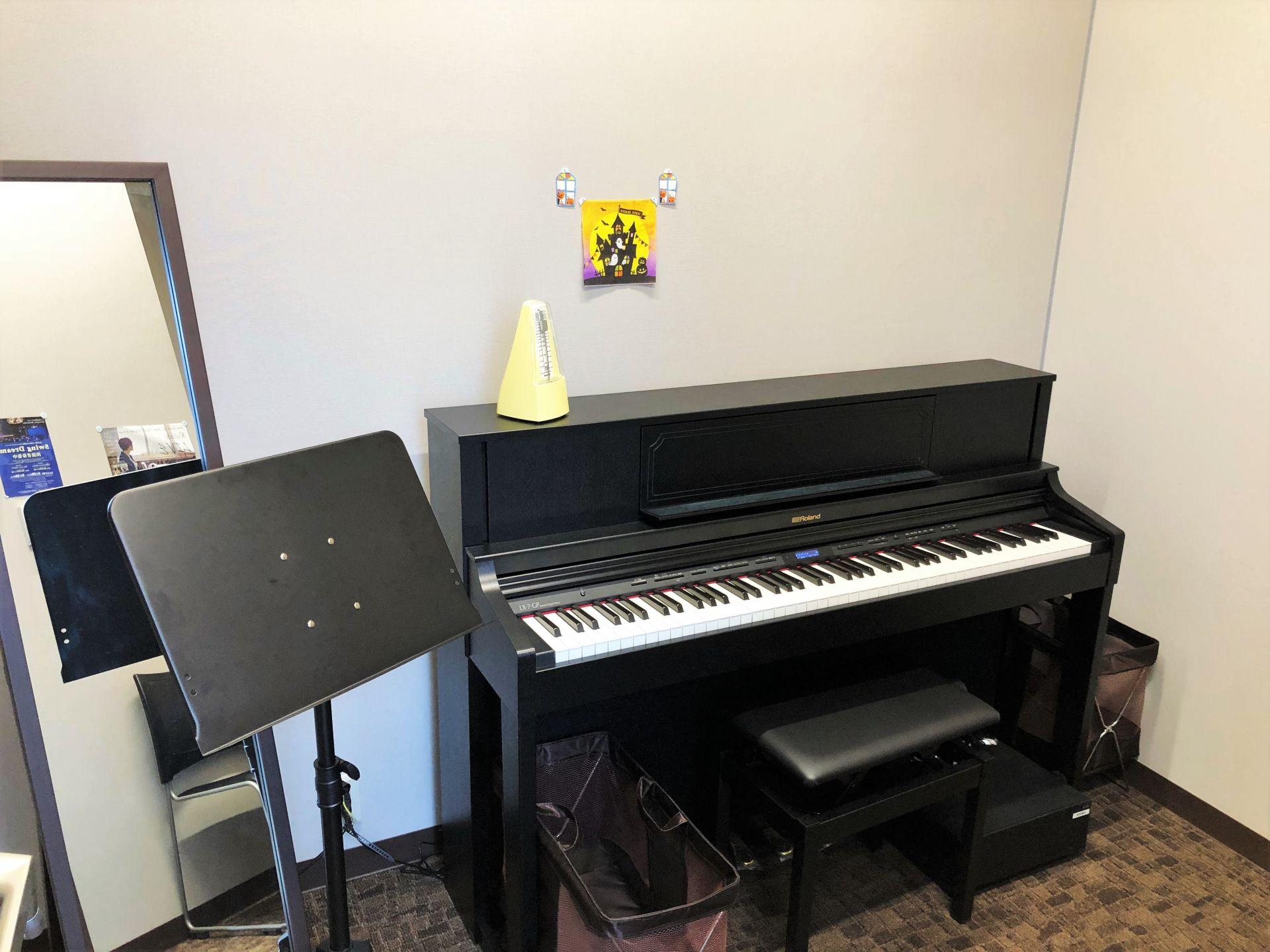 レッスン室 S6 電子ピアノ