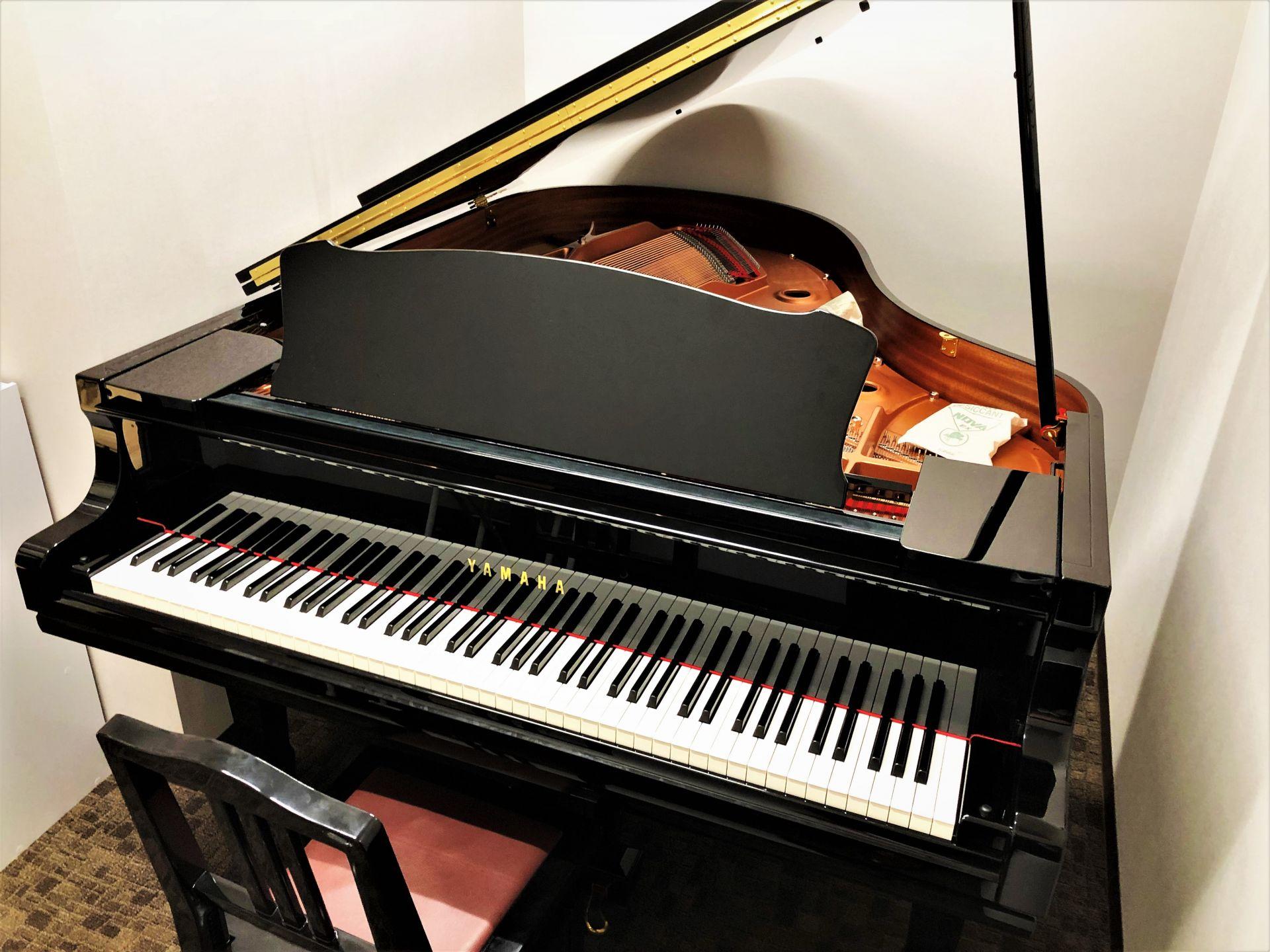 レッスン室 S3 グランドピアノ ヤマハ C3TD