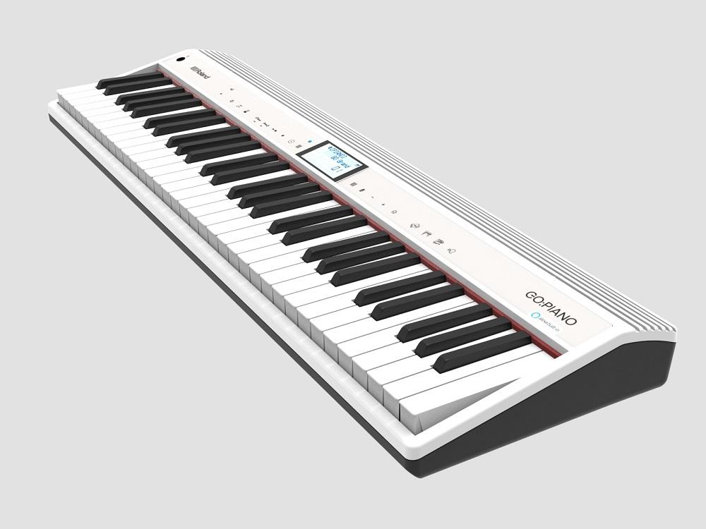 『GO:PIANO with Alexa Built-in』は、本格的なサウンドとピアノ・タイプの鍵盤を搭載しながら小型・軽量で、気軽に演奏でき、Bluetooth®でスマートフォンと連携して楽しめる電子キーボード「GO:PIANO」の性能を継承。さらに「Alexa」でさまざまな機能を声によって操作することを実現し、楽しく便利にピアノの演奏や練習ができます。