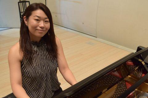 スタッフ写真ピアノインストラクター田場川