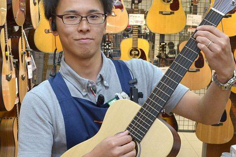 スタッフ写真アコースティックギター、ベース、ドラム、エフェクター堀田