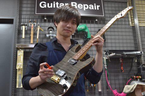 スタッフ写真ギター、アコースティックギター、ベース、ウクレレ宮本