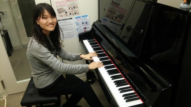 ピアノ体験レッスン インストラクター吉武