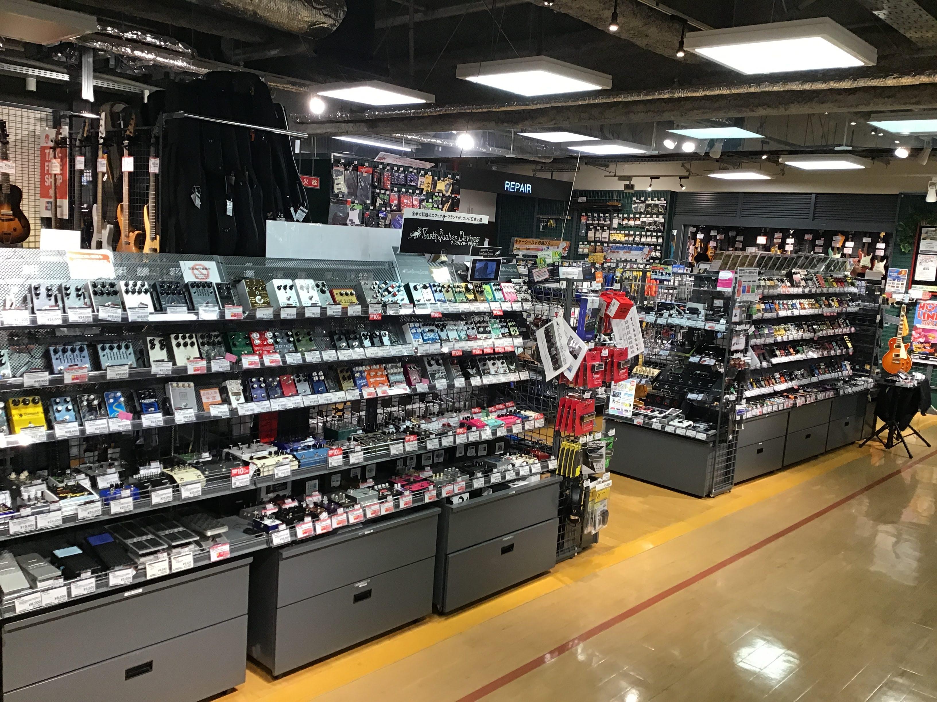 島村楽器梅田ロフト店 エフェクターコーナー