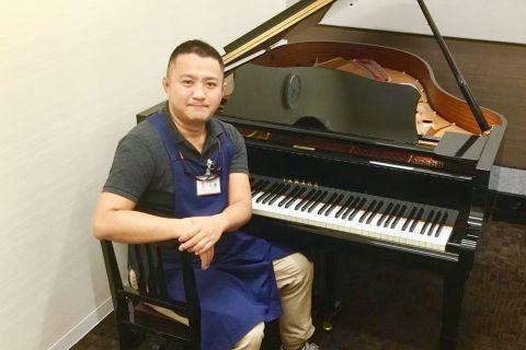 スタッフ写真副店長・ピアノアドバイザー・音楽教室アドバイザー・管弦楽器アドバイザー小倉