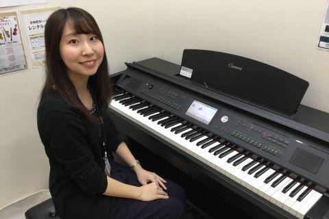 スタッフ写真ピアノインストラクター石森