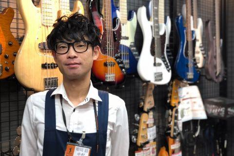 スタッフ写真副店長/エレキギター/ベース/アンプ/エフェクター/中古楽器中村