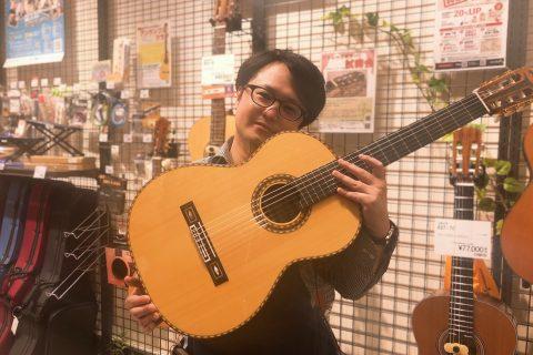 スタッフ写真《ギター・ピアノ・弦楽器アドバイザー》アコースティックギター・ウクレレ・ギター関連小物類田下