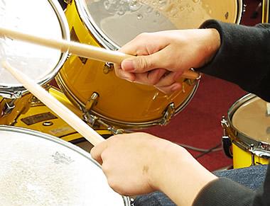 ドラム演奏時のイメージ写真