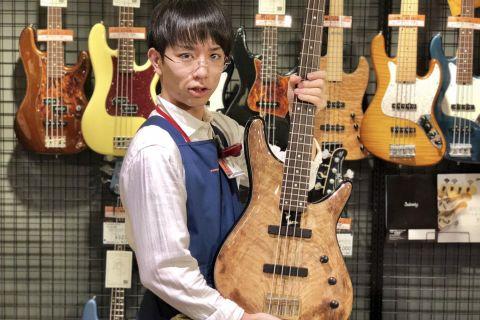 スタッフ写真中古関連・アンプ・ギター関連アクセサリー・ビギナーズ倶楽部担当堤