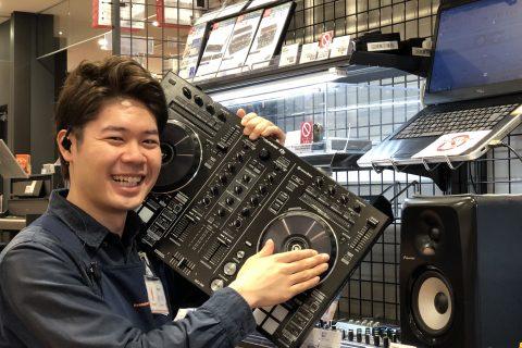 スタッフ写真DJ/シンセサイザー/電子ドラム小川 晶輝